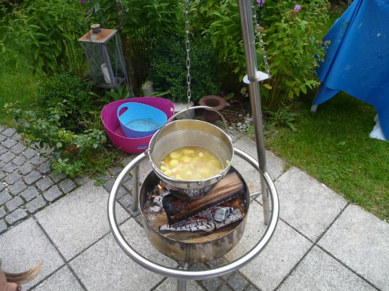 Kartoffelsuppe auf Haba Feuerstelle