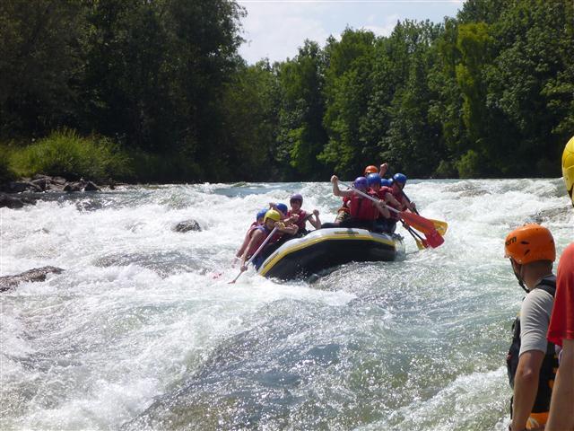 Für Papas, Mamas und ältere Kinder – Rafting auf der Isar zwischen Lengrieß und Bad Tölz
