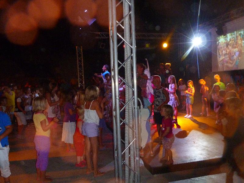 Kinderlieder aus der Minidisco im Italien Urlaub 2012